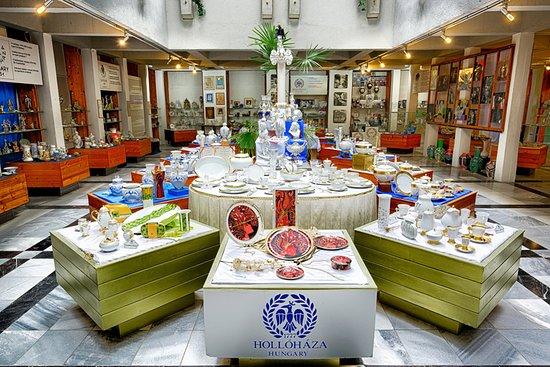 Hollohaza, Hongaria: Porcelánmúzeum