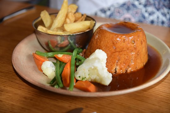 St Mary, UK: Steakk and KIdney Pudding, fantastic traditional food