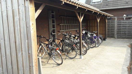 Nordholz, Γερμανία: Fahrradunterstellung