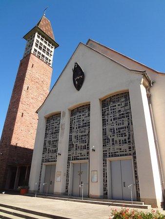 Eglise Catholique Saints-Pierre-Et-Paul