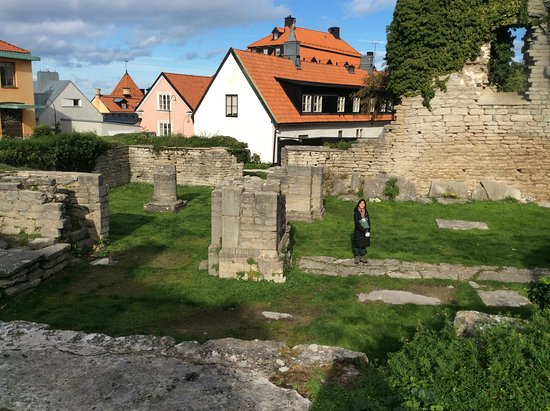 Visby, Svezia: One can imagine the size by the foundations