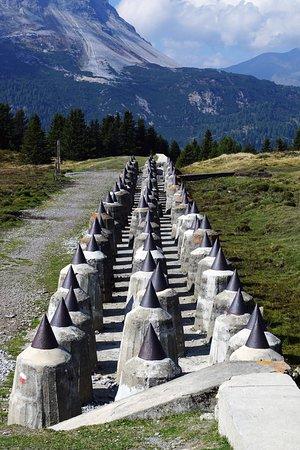 Sbarramento Passo Resia: Sbarramento Pian dei Morti - Dents de dragon 1