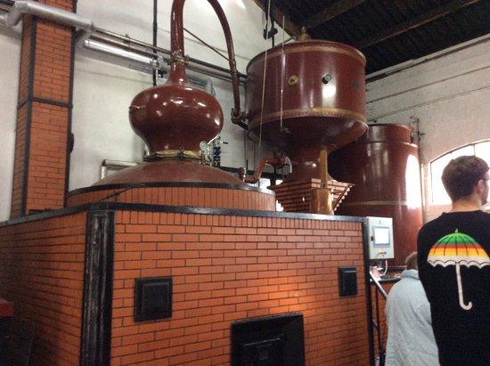 Cormeilles, Frankrike: Distilling