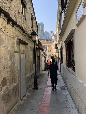 Taipa Village Macau: Narrow street but guess what is in the horizon?