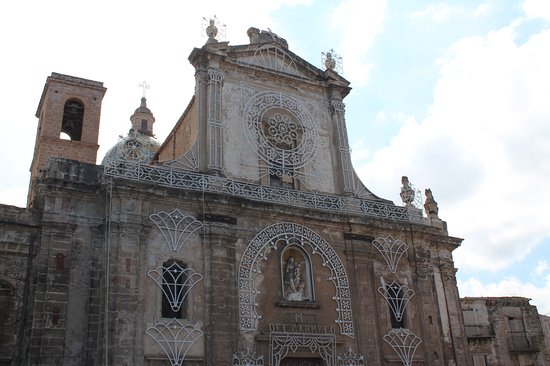 Chiesa del Carmine Maggiore: Facciata Chiesa di Santa Maria del Carmine