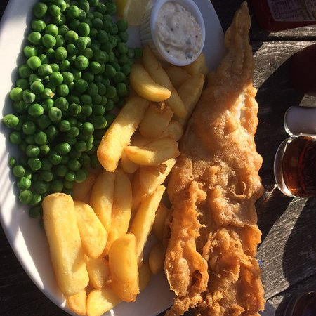Nuthampstead, UK: Fish and chips