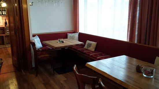 Hotel restaurant b ren breisach am rhein restaurant for Gemutliche sitzecke jugendzimmer