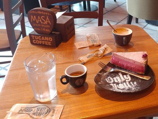 Tucano Coffee Puerto Rico: Cofee, Cappuccino and cake