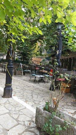 Eptalofos, اليونان: IMG_20181006_144124_large.jpg
