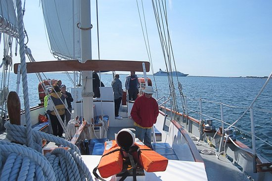Schooner Bay Lady II: View of boat from bow.