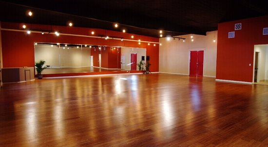Ojai, Californien: The beautiful Hamsa Studio space that is home to dance and yoga classes, workshops, and events!
