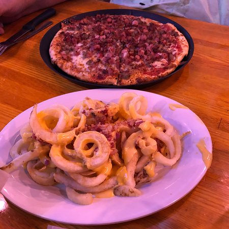 Waverly, OH: Roosters