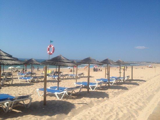 Praia de Alvor: Chapéus de Sol
