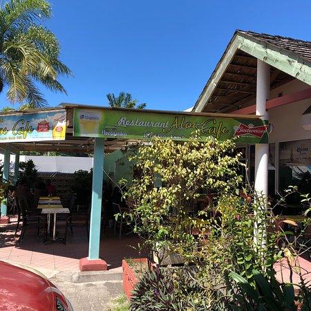 Nice local spot, good breakfast