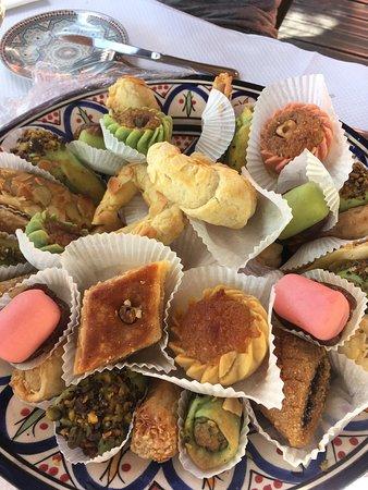 L'Oasis de Marrakech: Couscous et Brochettes Mixtes