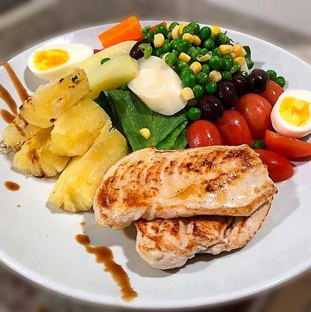 Point Açaí Matriz e Restaurante Light: Combo Salada completa + Proteina + Carboidrato