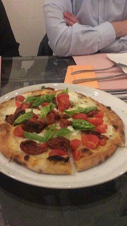 San Pancrazio Salentino, Italie : Pizza Che Felicità, con impasto alla chia