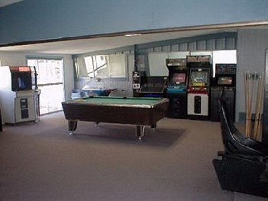 High Country Lodge : Game Room