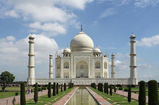 Tour no mesmo dia no Taj Mahal...