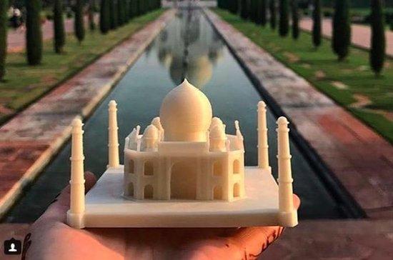 Viaje de un día al Taj Mahal desde...