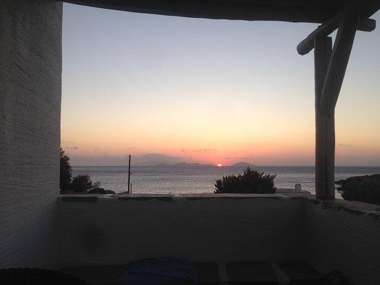 Moutsouna, กรีซ: Beautiful sunrise every morning.