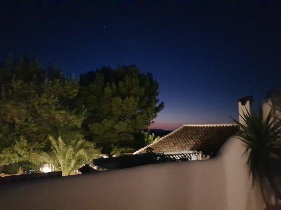 Villanueva del Trabuco, España: El Establo balcony at night