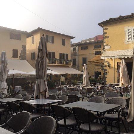 Piazza Giuseppe Giusti Photo