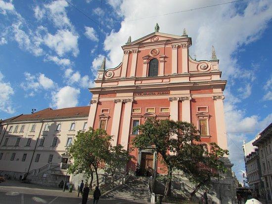 Franciscan Church (Franciskanska cerkev): facciata chiesa