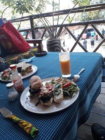Nkhata Bay, مالاوي: 20180922_110534_large.jpg