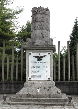 Sesto Calende, Italy: Monumento ai caduti di Sesona