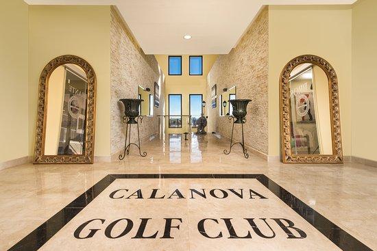Calanova Golf Club: Club House entrance