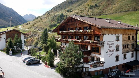 Vent, Austria: Haupthaus vom Balkon aus gesehen