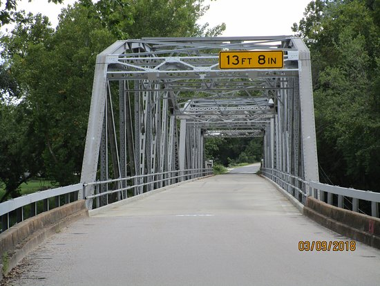 Devils Elbow, MO: Bridge