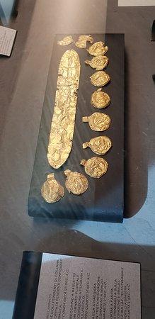 Vetulonia, Italie : pièces en or