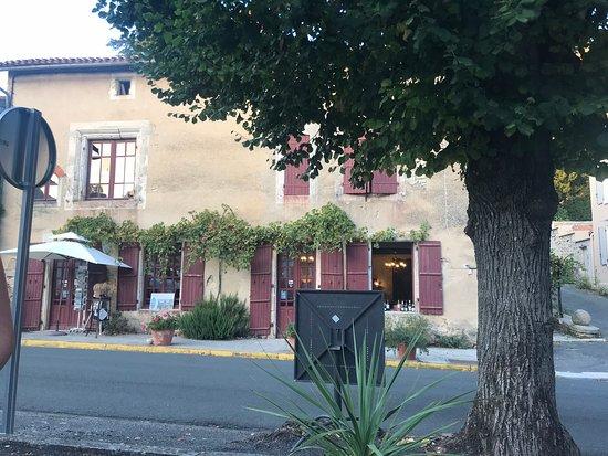 Verteuil-sur-Charente 사진