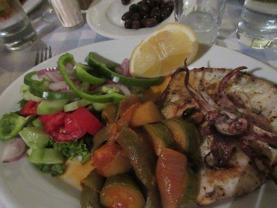 Brouklis Taverna: Grilled Kalamari