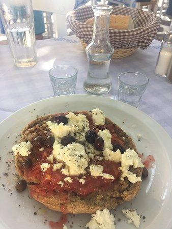 Koutsouras, Grèce: Ntakos and raki
