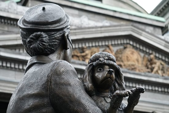 Photo Tour Montreal - Private 1:1 walking photo tour of Montreal: Marko will tell you the story behind this statue.