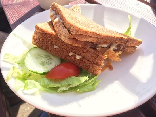Axmouth, UK: Toasted cheese & onion sandwich on brown bread