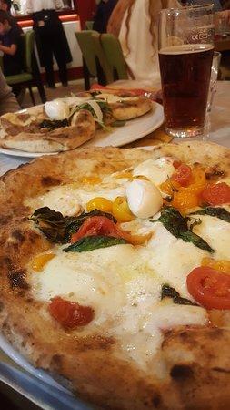 Antica Pizzeria Leone: Papillon + bufala integrale