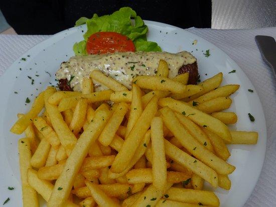 St Riquier, Francia: Andouillette frites