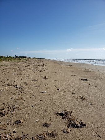 Quintana, Техас: Another view of the beach looking East