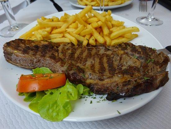 St Riquier, Francia: Entrecôte grillée frites