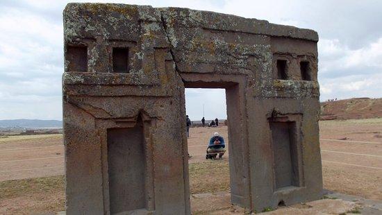Tiahuanaco, Bolivia: parte trasera de la Puerta del Sol