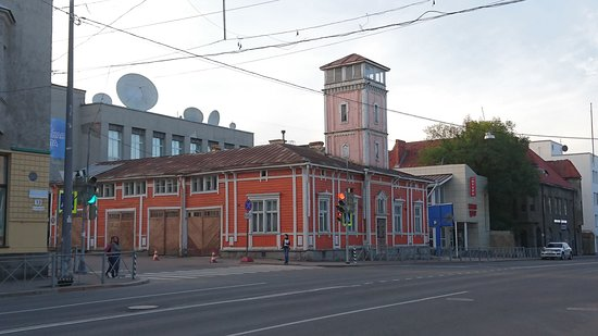 ‪Former Fire Station with Tower‬