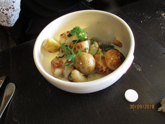 Le Troquet : Plat noix de St JAcques dans le menu Wonderbox