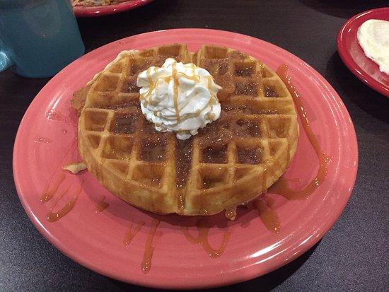 Wellsburg, Западная Вирджиния: Apple Fest Special, Apple Cinnamon Waffle