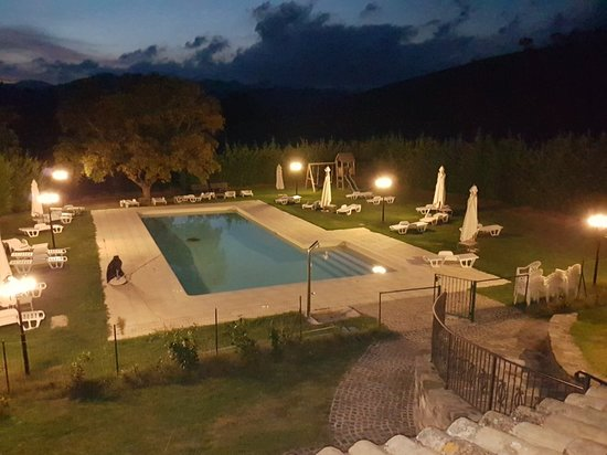 Costacciaro, Italien: 20181005_192553_large.jpg