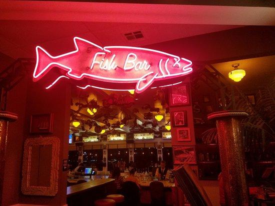 Crockett, Калифорния: Bar lounge area