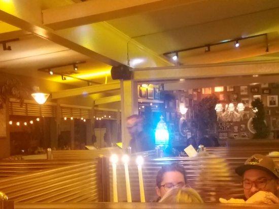 Crockett, Калифорния: Inside of restaurant